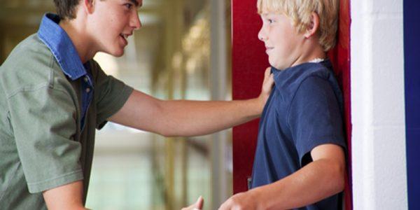 11 خطأ تربوي هل ترتكبها مع ابنائنا