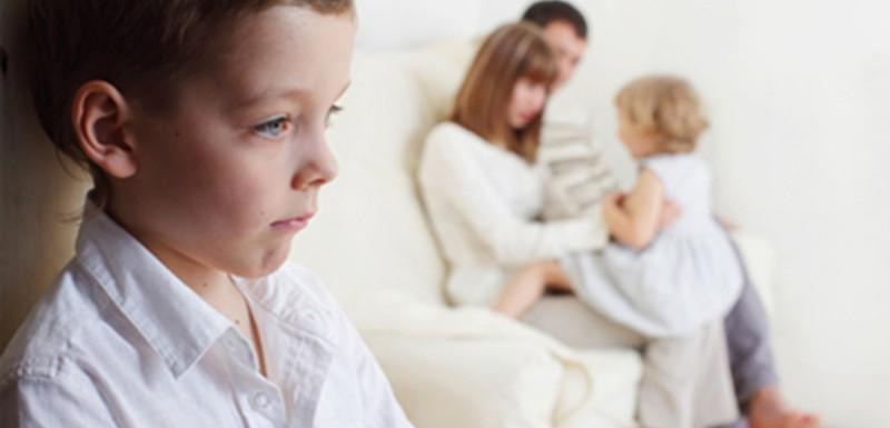 7 أساليب تربوية تجنب طفلك العصبية