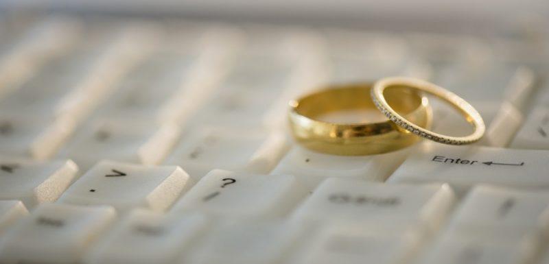 هل صحيح أن الزواج ستر للمرأة ؟