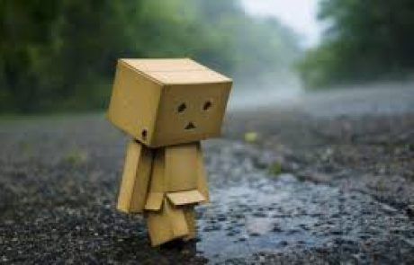 لا تجعل الناس سببا لحزنك وسعادتك
