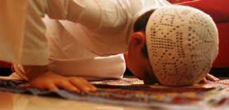 قال : أرتاح باليوغا أكثر من الصلاة !!